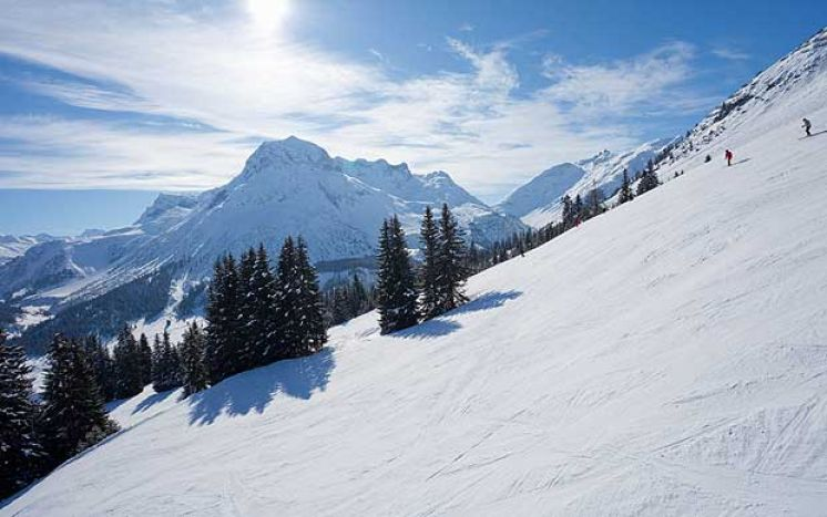Still thinking about skiing over the Festive period?  There's offers to be had........