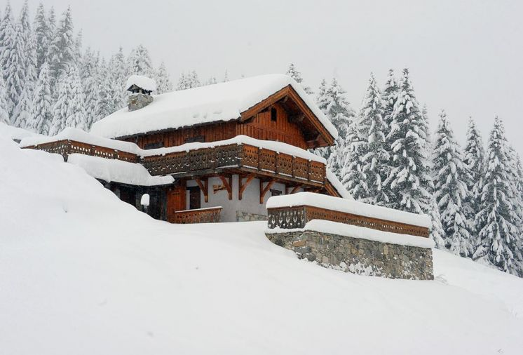 New to the portfolio - great value ski in/out chalet in Courchevel, with hot tub